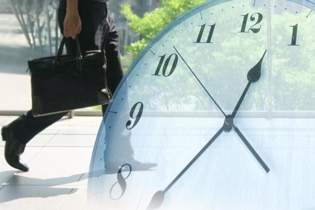 社員と時計